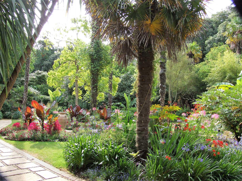 Victorian-garden-2005