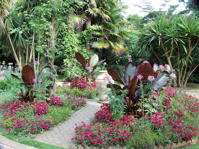 Victorian-garden-Island-bed