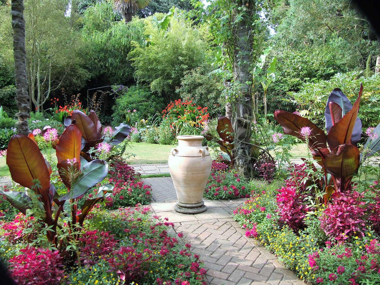 Victorian-garden-bedding-2005